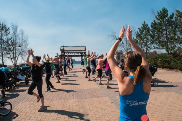 {Sponsored Post} FIT4MOM Classes: A Foolproof Way to Make Friends and Keep Fit | Duluth Moms Blog