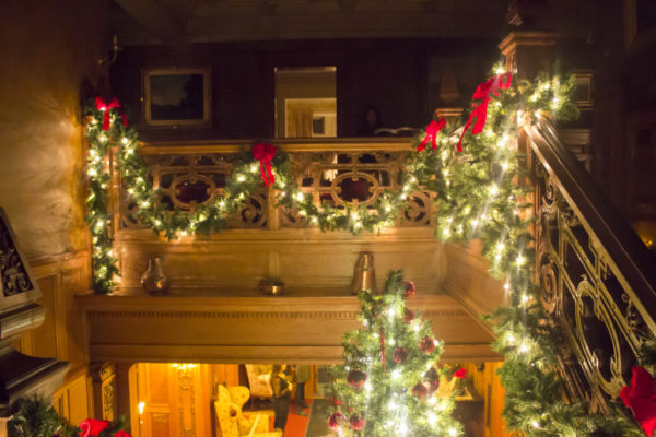 A New Addition to our Holiday Bucket List: Candlelight Christmas Tour at Glensheen | Duluth Moms Blog