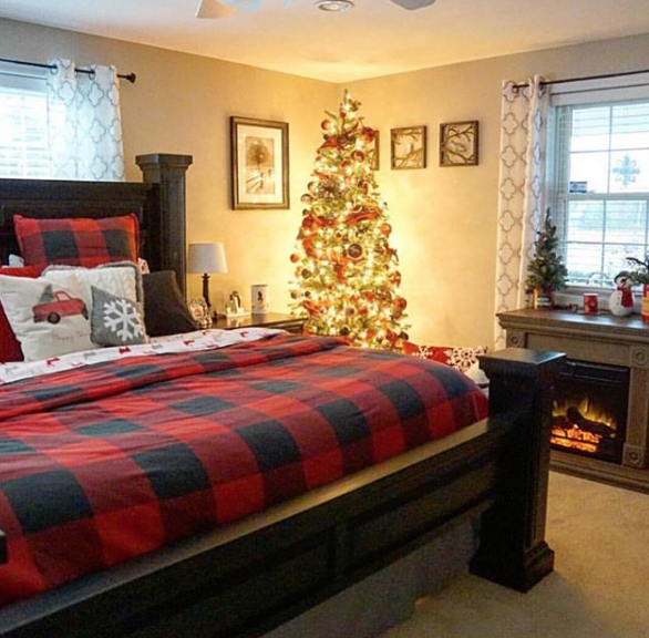 Why I Decorate for Christmas before Thanksgiving | Duluth Moms Blog