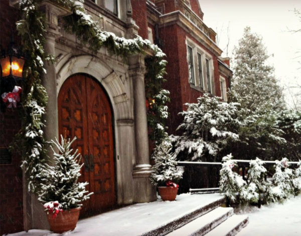 Experiencing a Holiday Wonderland at the Glensheen | Duluth Moms Blog