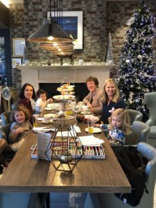 Easy on the Material Goods: An Alternative Christmas Gift Giving Guide | Duluth Moms Blog