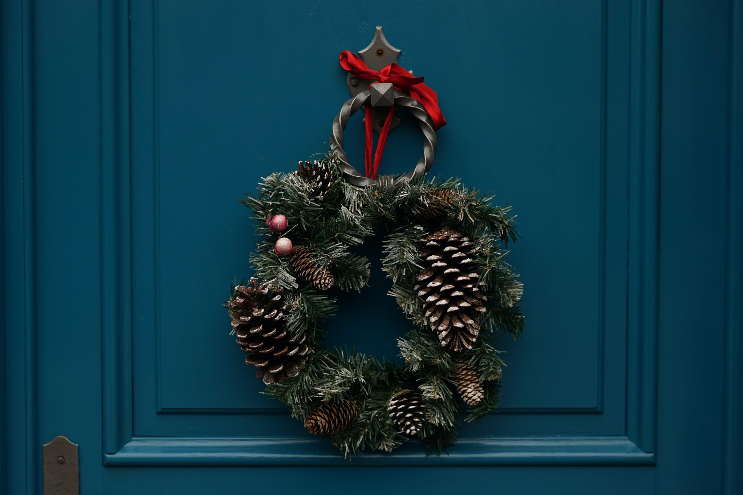 A Simple Christmas: Finding Holiday Peace in a Turbulent Time | Duluth Mom